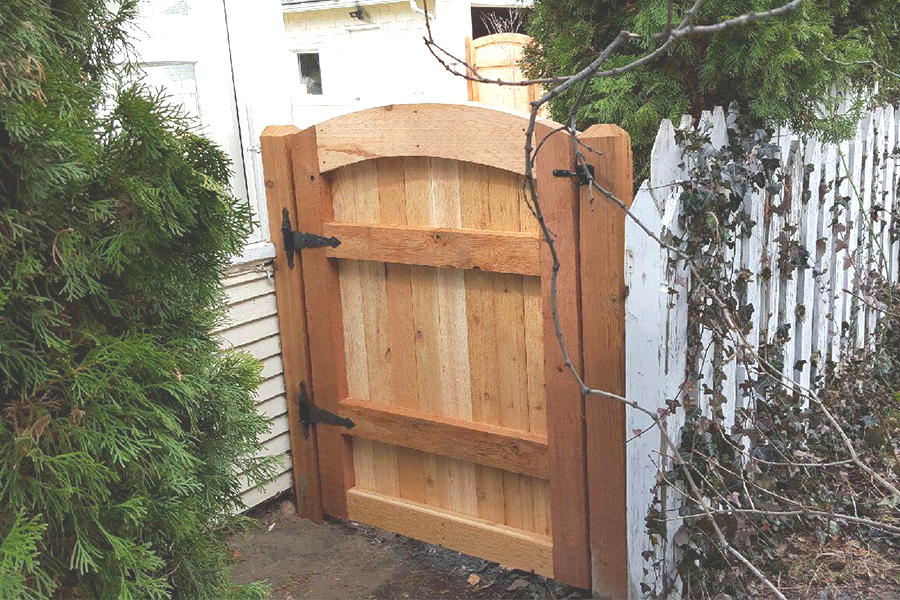 North End Picture Frame Gate